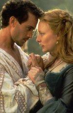 Joseph Fiennes and Cate Blanchett in 1998's 'Elizabeth'